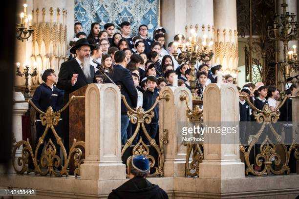 Chief Rabbi Riccardo Di Segni and the President of the Jewish Community of Rome Ruth Dureghello meet a delegation of 800 young people from over 50...