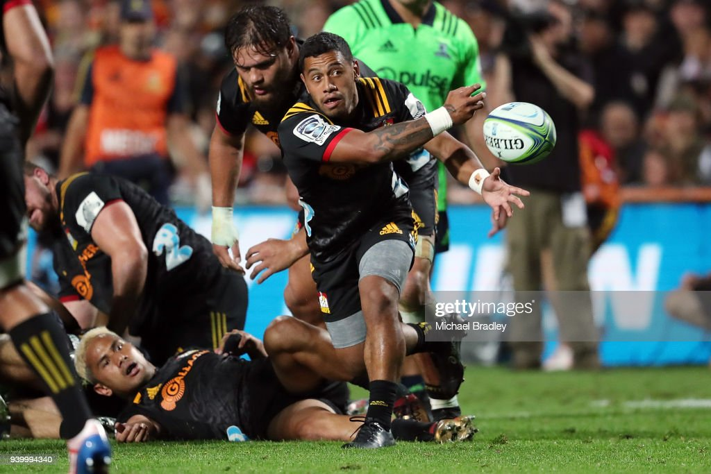 Chiefs Te Toiroa Tahuriorangi clears the ball during the round seven Super Rugby match between the Chiefs and the Highlanders at FMG Stadium on March 30, 2018 in Hamilton, New Zealand.