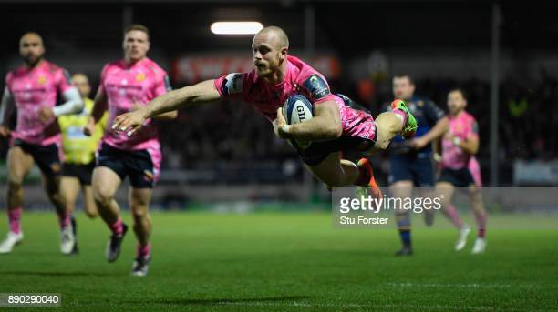 Chiefs wing James Short dives over to score during the European Rugby Champions Cup match between Exeter Chiefs and Leinster Rugby at Sandy Park on...