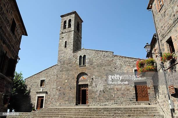 chiesa di san pietro - radicofani - san bruno stock pictures, royalty-free photos & images
