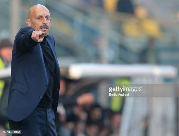Chievo Verona coach Domenico Di Carlo issues instructions to his players during the Serie A match between Parma Calcio and Chievo Verona at Stadio...