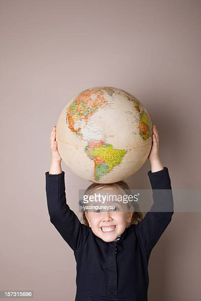 bambino e terra - mondo beat foto e immagini stock
