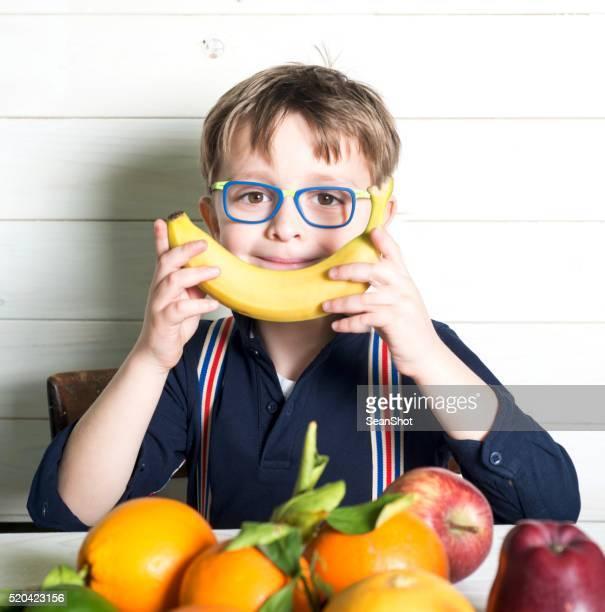 Enfant et Fruits