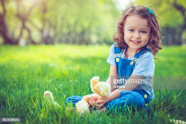 child at easter - happy easter in russian stock pictures, royalty-free photos & images