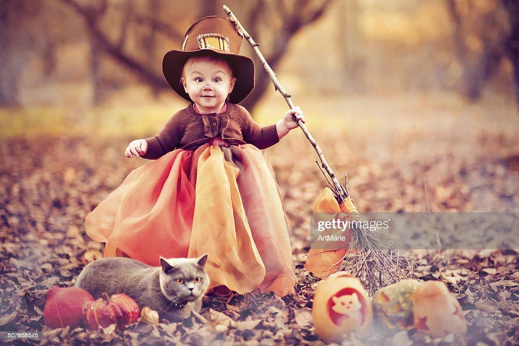 Child celebrating Halloween : Stock Photo