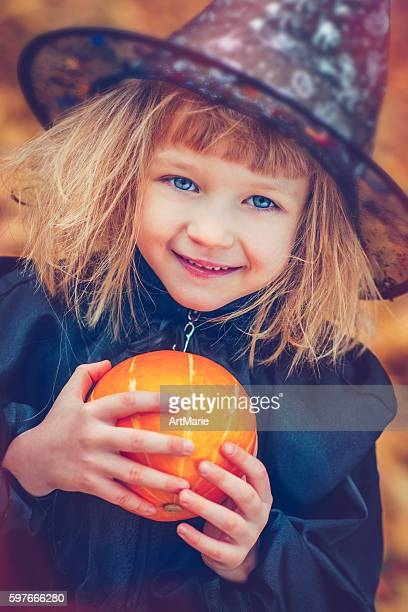 child celebrating halloween - period costume stock pictures, royalty-free photos & images