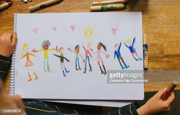 child drawing figures - social movement stock pictures, royalty-free photos & images