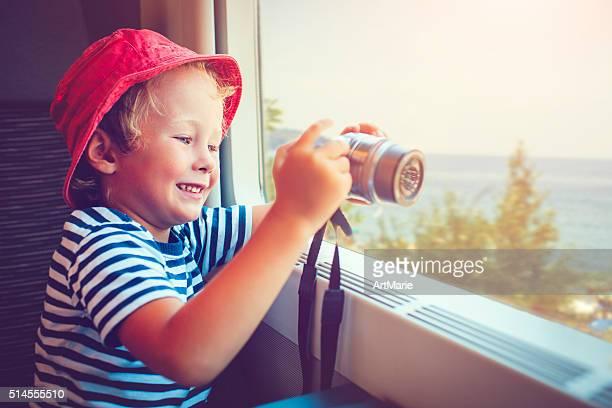 Criança em comboio
