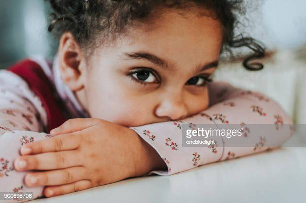 child (4-5) looking bored - onebluelight stock pictures, royalty-free photos & images