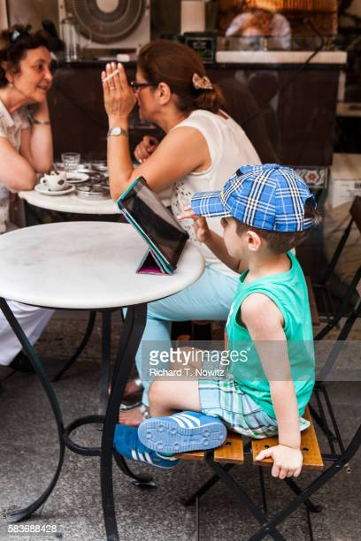 child playing with an ipad - apple computers stock pictures, royalty-free photos & images