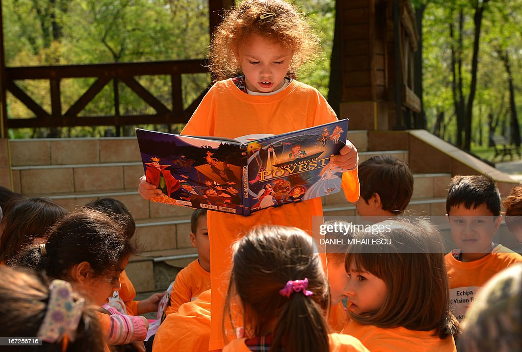 ROMANIA-WORLD BOOK DAY-NGO-CHILDREN : News Photo
