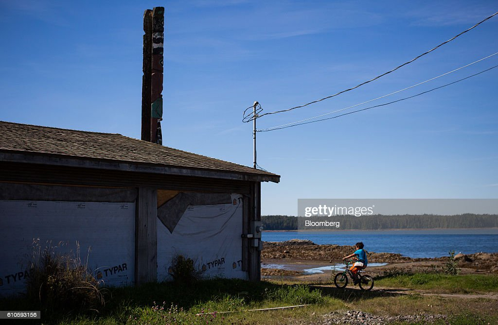 Canada's Indigenous West Coast As Trudeau Faces Imminent Decisions On Energy Projects : News Photo