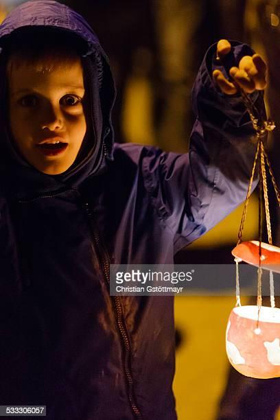 child with lantern 2 - paraden stock-fotos und bilder
