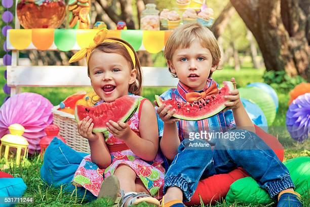 Enfants lors d'une fête