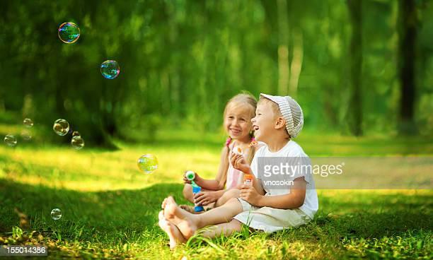 Kinder Blasen Blasen