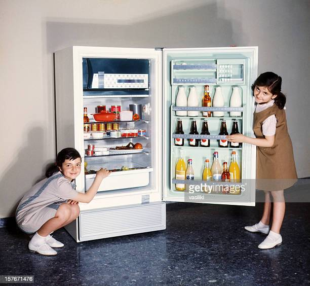 Children doing refrigerator advertising in the 60s