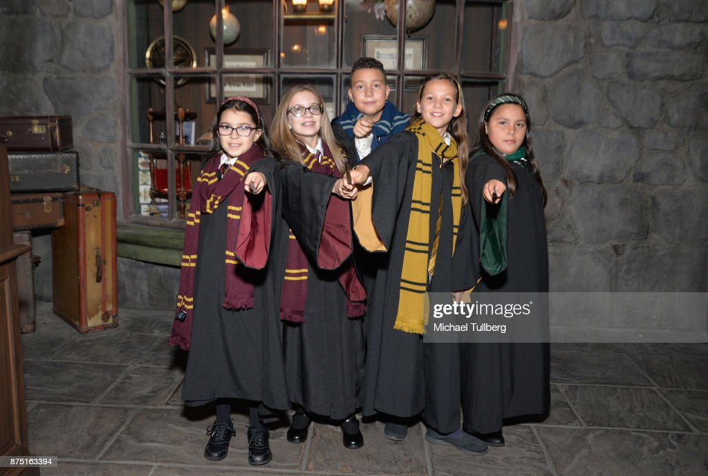 Christmas In The Wizarding World Of Harry Potter : News Photo