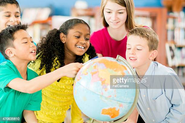 children exploring geography - physical geography stock pictures, royalty-free photos & images