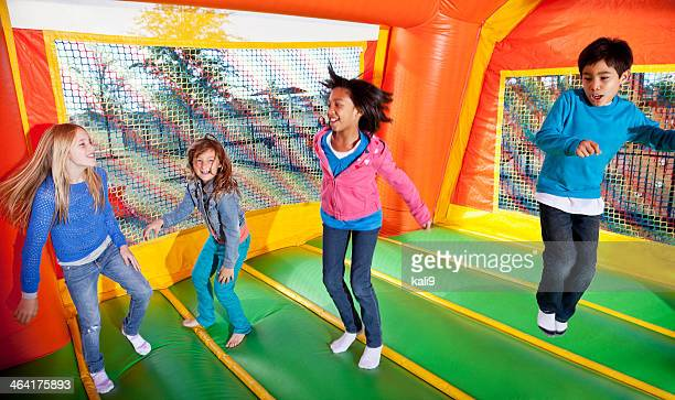 Enfants à bounce house