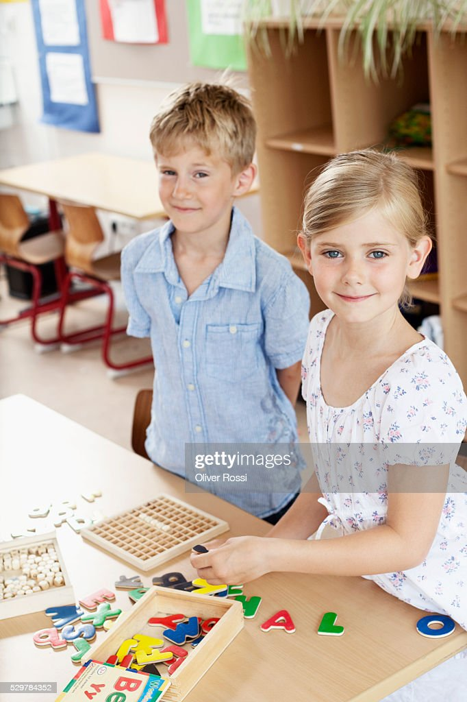 Children in classroom : Stockfoto