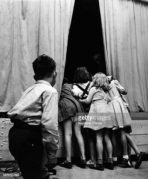 Children In The Backstage Of The Show In England
