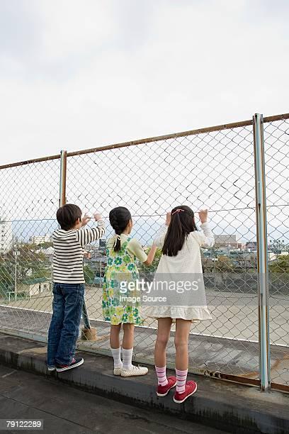 お望みのお子様に、フェンス