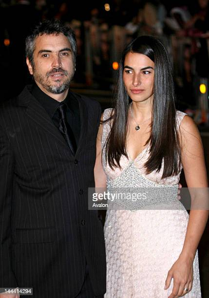 Children of Men UK Premiere held at the Odeon Leicester Square London England 19th September 2006 Alfonso Cuaron Wife Annalisa Bugliani 15267