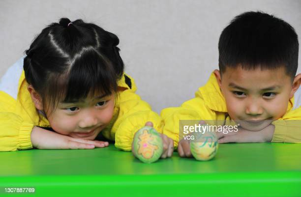 Chinese Welcome Spring Equinox Photos and Premium High Res ...
