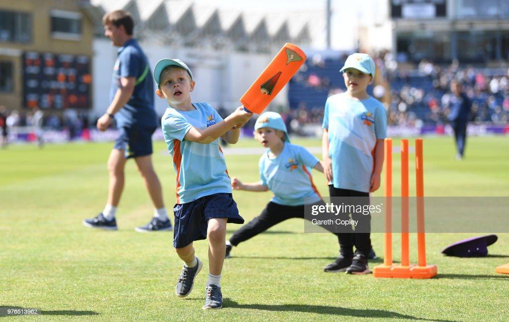 England v Australia - 2nd Royal London ODI : News Photo