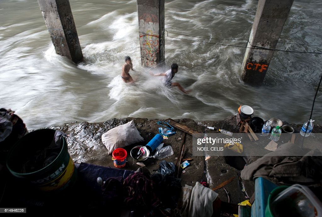 PHILIPPINES-WEATHER-TYPHOON : News Photo