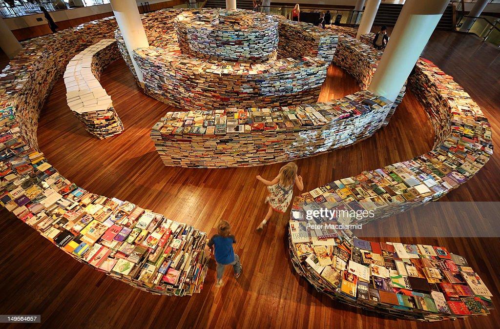 Brazilian Artists Create Labyrinth Using 250,000 Books : News Photo