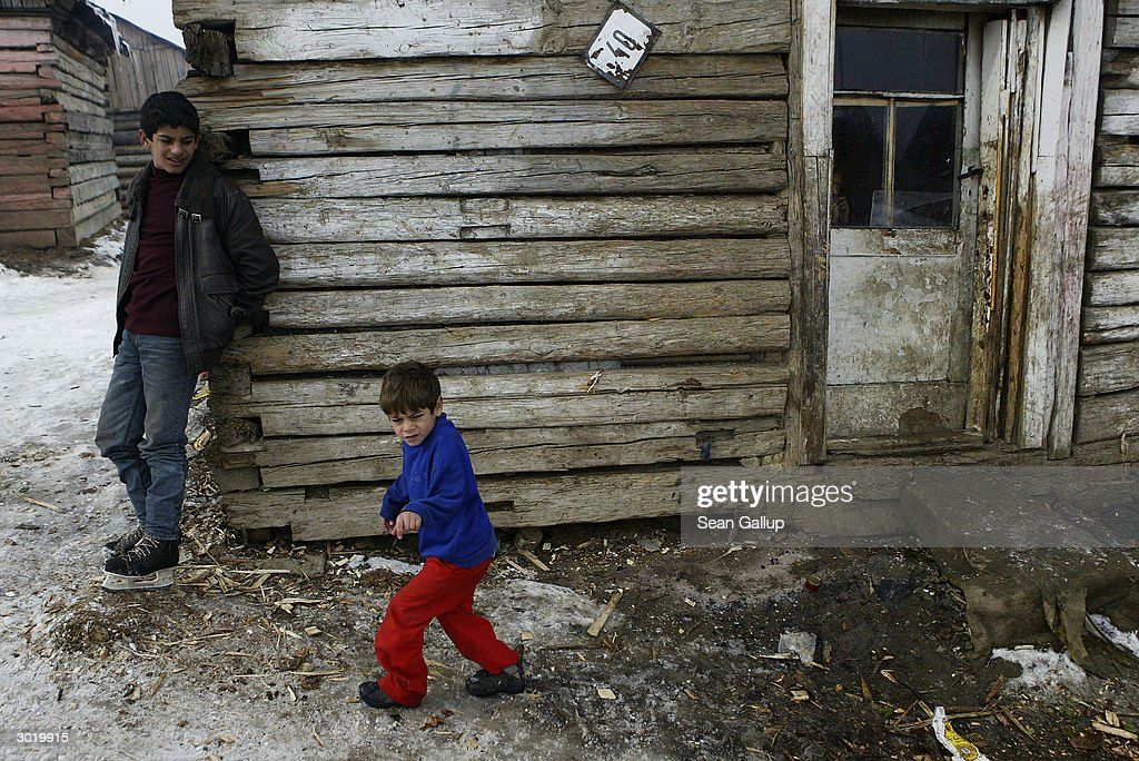 Slovakia's Roma Community Looking For Emigration Opportunities : News Photo