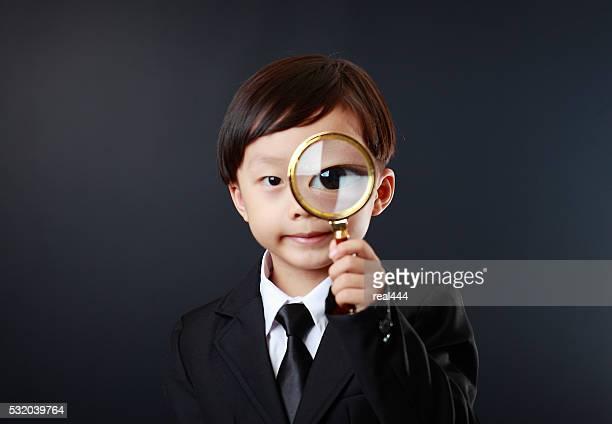 子供には、拡大鏡