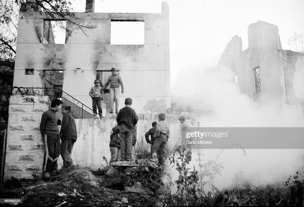 Ex-Yugoslavia : News Photo