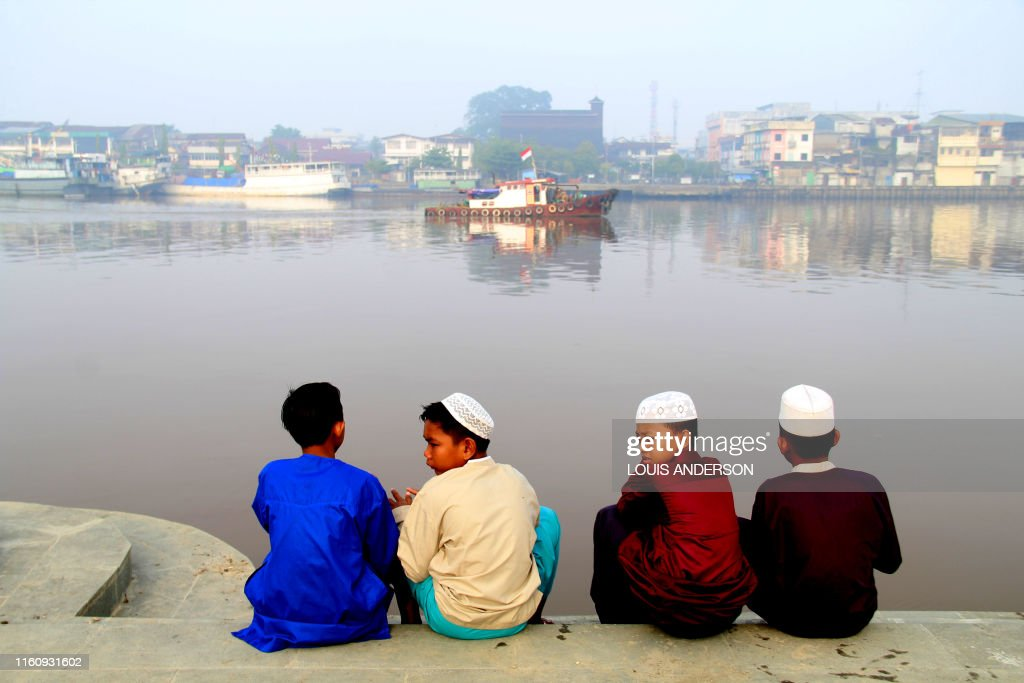 TOPSHOT-INDONESIA-ENVIRONMENT-POLLUTION : News Photo