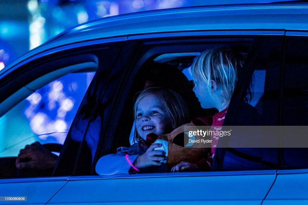 Drive-Thru Holiday Lights Display Held In Seattle : News Photo