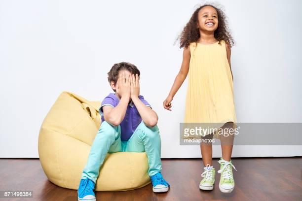 Kinder mit verschiedenen Emotionen