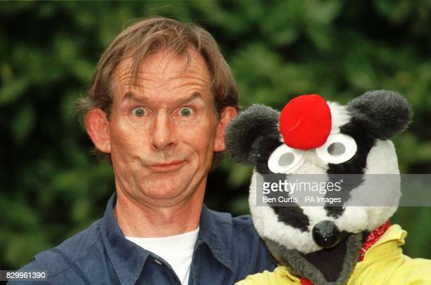 Children's presenter Andy Cunningham and his costar from the BBC programme 'Bodger and Badger'