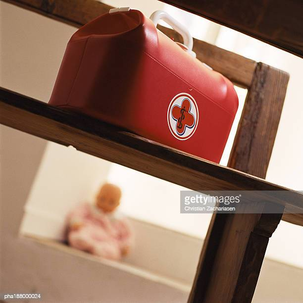 child's medical bag on chair. - dokterstas stockfoto's en -beelden