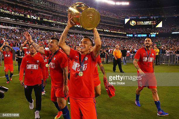 Chile celebrates after defeating Argentina to win the Copa America Centenario Championship match at MetLife Stadium on June 26 2016 in East...