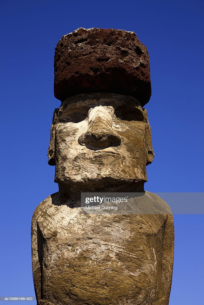 Chile, Easter Island, Ahu Tongafiki, Moai statue : Stockfoto