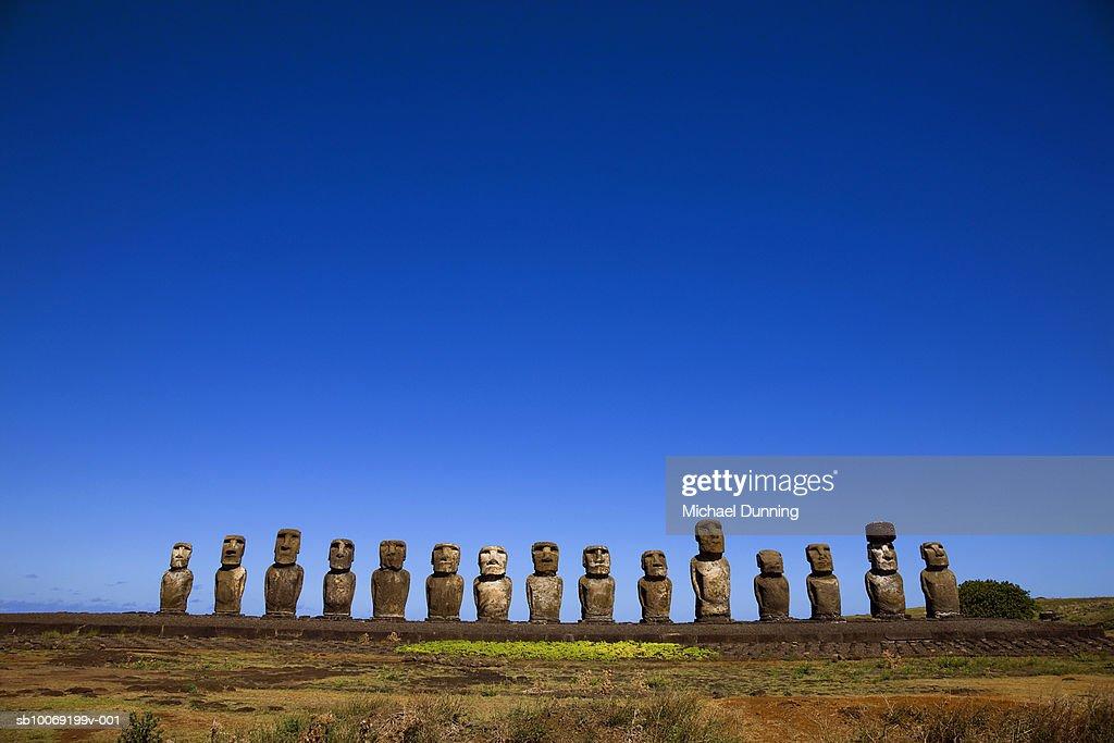 Chile, Easter Island, Ahu Tongafiki, Moai statues : Stockfoto