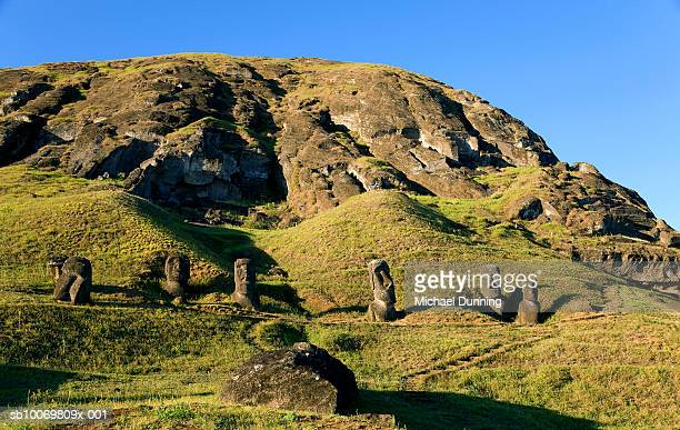 chile, easter island (rapa nui), moai statues of rano raraku, low angle view - rano raraku stock pictures, royalty-free photos & images