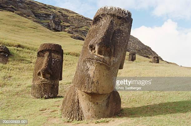chile, easter island, moai statues of rano raraku - rano raraku stock pictures, royalty-free photos & images
