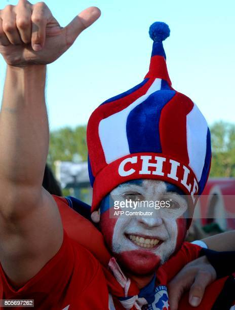 Chile fans arrive for the 2017 Confederations Cup final football match between Chile and Germany at Saint Petersburg Stadium in Saint Petersburg on...