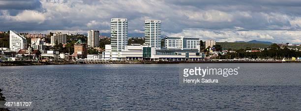 chile, lake district, puerto montt, skyline of modern city - puerto montt - fotografias e filmes do acervo