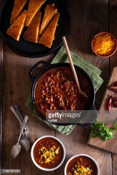 チリ - ダッチオーブン ストックフォトと画像
