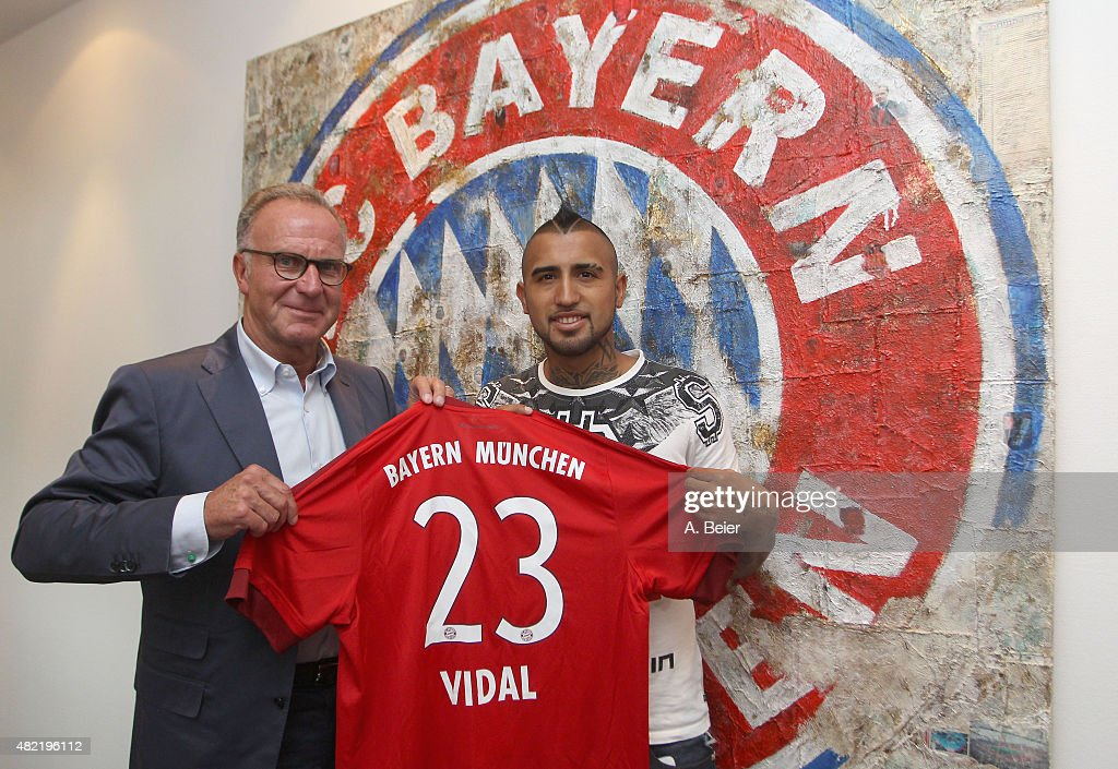 FC Bayern Muenchen Announce Signing of Arturo Vidal : News Photo