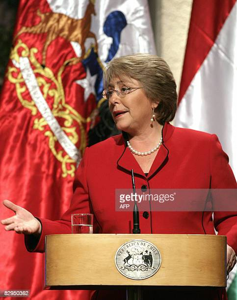 Chilean President Michelle Bachelet speaks during a press conference offered with her Hungarian counterpart Lazlo Solyom at the presidential palace...
