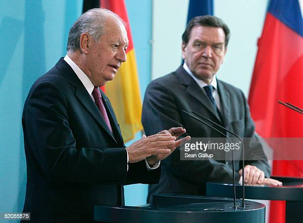 Chilean President Ricardo Lagos Escobar and German Chancellor Gerhard Schroeder attend a news conference at the Chancellery January 24 2005 in Berlin...